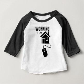 travail de la maison t-shirt pour bébé