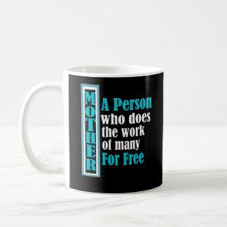 Travail drôle du jour de mère pour libre mug