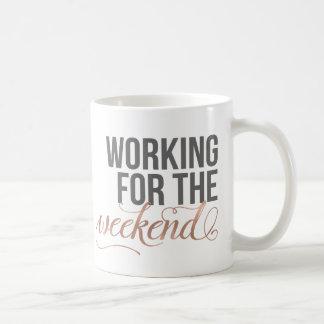 Travail pour le week-end citation grise et rose de mug