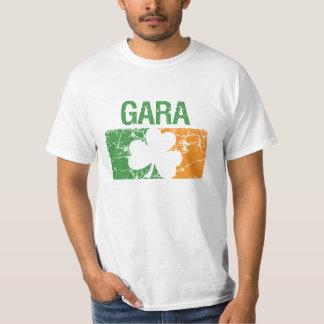 Trèfle de nom de famille de Gara T-shirts