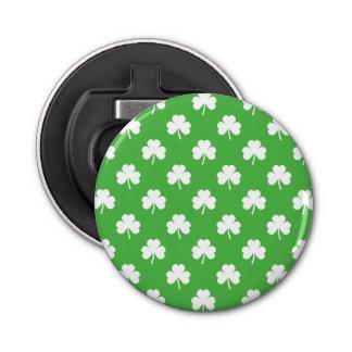 Trèfle en forme de coeur blanc sur St Patrick vert Décapsuleur