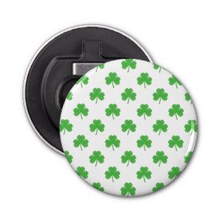 Trèfle en forme de coeur vert sur St Patrick blanc Décapsuleur