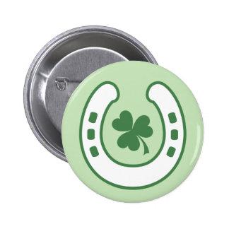 Trèfle vert et jour de St Patrick chanceux en fer  Badges