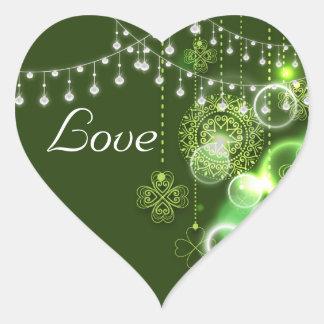 Trèfles celtiques verts et amour irlandais blanc sticker cœur