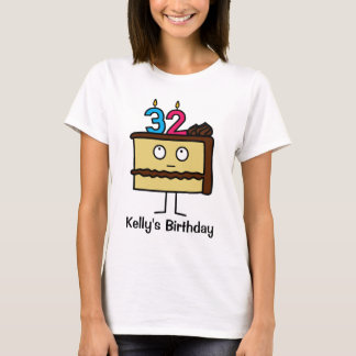 trente-deuxième Gâteau d'anniversaire avec des T-shirt
