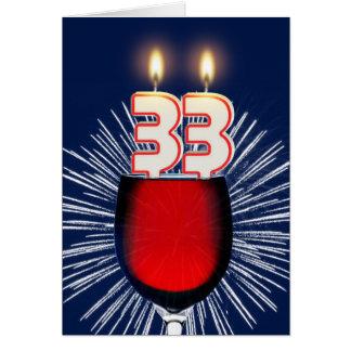 trente-troisième Anniversaire avec du vin et des Cartes