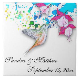 Trépied de mariage de colibri et de grand carreau carré