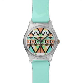 Tribal en pastel audacieux montres cadran