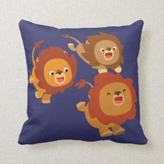 Trio heureux de coussin mignon de lions de bande d