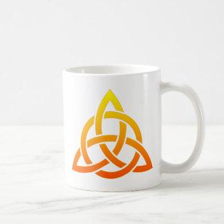 Triquetra/noeud celtique de trinité mug