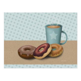 Trois beignets et une carte postale de café
