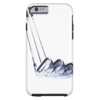 Trois clubs de golf sur l'arrière - plan blanc coque iPhone 6 tough