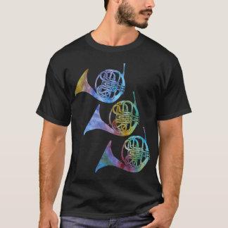 Trois cors de harmonie d'arc-en-ciel t-shirt