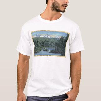 Trois montagnes de soeurs près se plient, OU de T-shirt