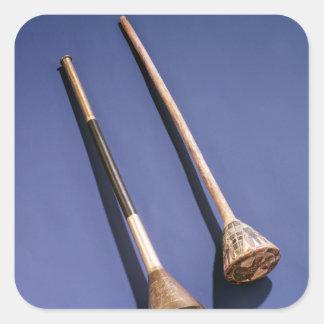 Trompette et bouchon en bois autocollant carré