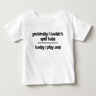 tuba drôle t-shirt pour bébé