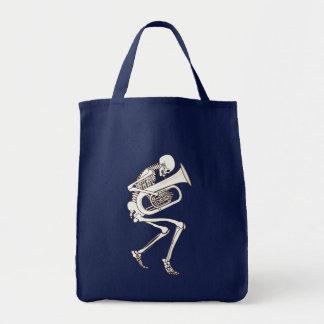 Tuba jouant le squelette tote bag