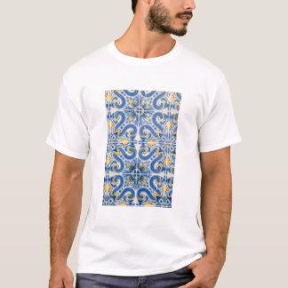 Tuile bleue et jaune, Portugal T-shirt