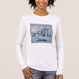 Tuile de Delft montrant un pont-levis au-dessus T-shirt À Manches Longues