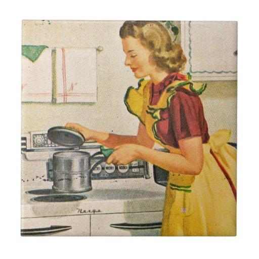 Tuile vintage de cuisine de femme au foyer des ann carreau for Femme au foyer 1900