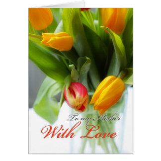 Tulipes dans le vase, pour la mère carte de vœux