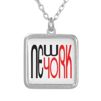 Typographie Nouveau-York-Noir-Rouge Collier