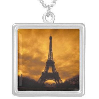 UE, France, Paris.  Tour d'Eiffel Collier