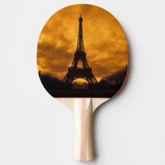 UE, France, Paris.  Tour d'Eiffel Raquette De Ping Pong