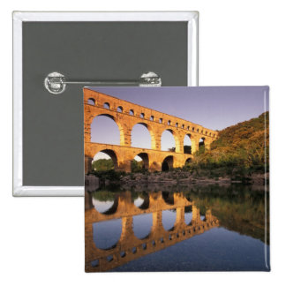UE, France, Provence, le Gard, Pont du le Gard. 2 Badges