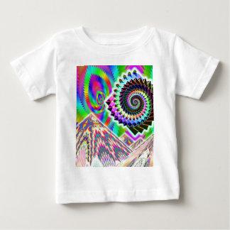 UFO au-dessus des montagnes… ART visionnaire T-shirt Pour Bébé