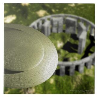 UFO étudiant le site de Stonehenge en tant que lui Grand Carreau Carré