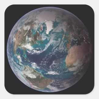 Un à pleine vue de la terre montrant les données sticker carré