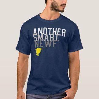Un autre Newf futé T-shirt