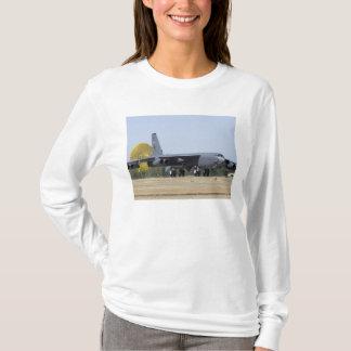 Un B-52 Stratofortress déploie son parachute- T-shirt
