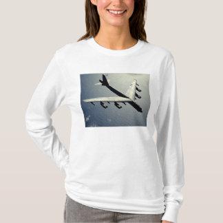 Un B-52 Stratofortress en vol T-shirt