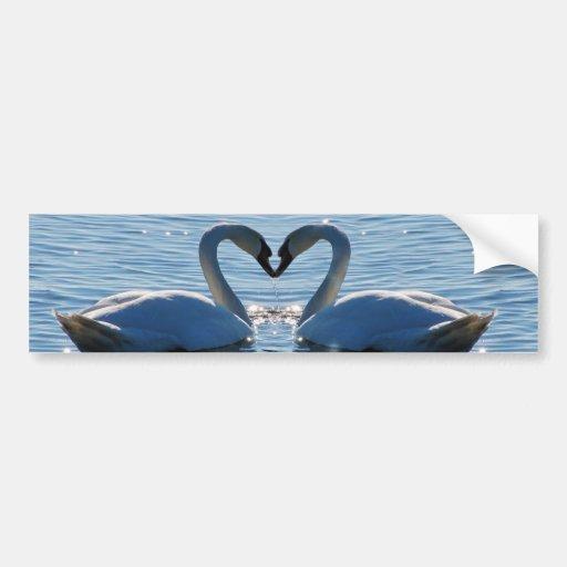 Un baiser de coeur de cygne, réflexions de l'amour adhésifs pour voiture