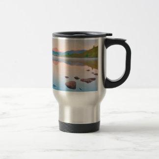 Un beau lever de soleil sur Rannoch amarrent Mug De Voyage