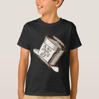 Un casquette fou de chapelier dans la sépia t-shirt