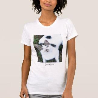 Un chat frais (fille) t-shirts