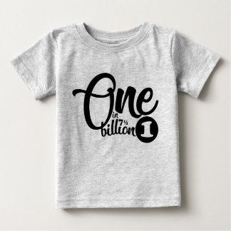 un dans (7,5) milliards de pièce en t t-shirt pour bébé