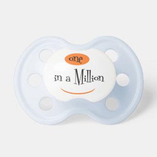 UN DANS un MILLION2 BooginHead® CustomPacifier 0-6 Tétine Pour Bébé
