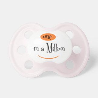 UN DANS un MILLION3 BooginHead® CustomPacifier 0-6 Tétines Pour Bébé