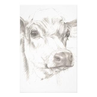 Un dessin d'une jeune vache papier à lettre customisé