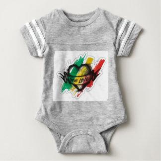 un drapeau de graffiti de reggae de rasta d'amour body
