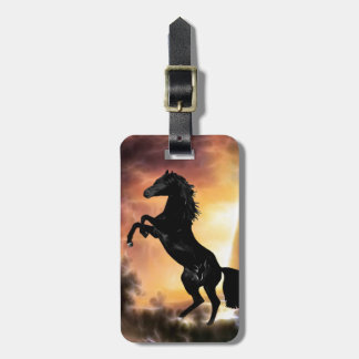 Un élevage frison de cheval d'étalon étiquette à bagage