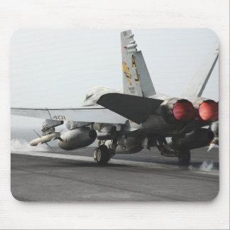 Un frelon de F/A-18C lance du poste de pilotage 2 Tapis De Souris