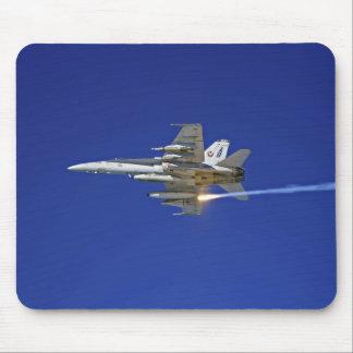Un frelon de F/A-18C Tapis De Souris