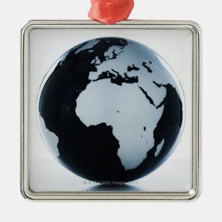 Un globe ornement carré argenté