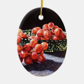 Un groupe de raisins rouges ornement ovale en céramique
