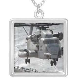Un hélicoptère superbe d'étalon de CH-53E Pendentif Carré